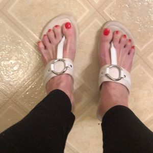 Chaps white sandals with silver ring